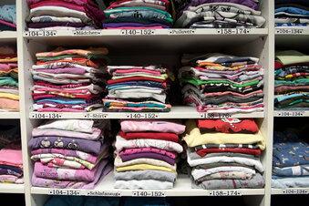 Kleiderkammern in Sachsen sind gut gefüllt