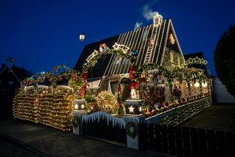Weihnachtshaus löst Verkehrschaos aus