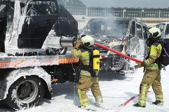 Bundeswehrautos brennen erneut