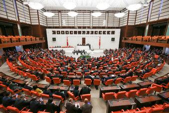 Türkei darf Soldaten nach Libyen schicken