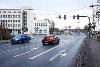 Warum die Stadt vorm Volkshaus baut