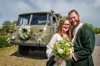Hochzeit: Ritter, Kräuterfrau und ein Ello