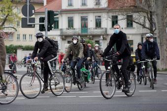 Dresden: Gedenkfahrt für tote Radfahrerin