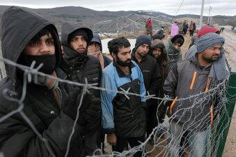 Streit über Aufnahme von Flüchtlingen