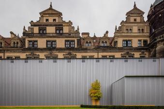 Am Dresdner Schloss wird für mehr Sicherheit gebaut