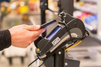 Bezahlen mit dem Handy ist sicherer als mit Karte