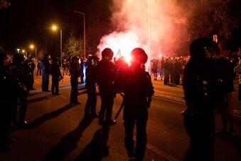 Rechte Demo gegen Asylunterkunft eskaliert