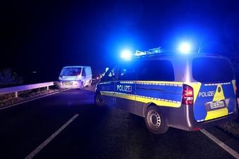 Radfahrer stirbt bei Unfall mit Transporter