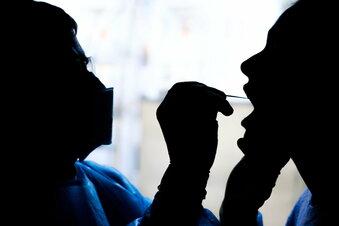 Corona: RKI meldet über 7.000 Neuinfektionen
