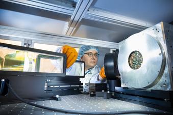 Dresdner Forscher nutzen neues Extremlabor