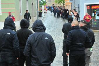 Großenhainer demonstrieren gegen Beschränkungen