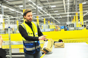 Corona: Amazon stellt 350 Mitarbeiter ein