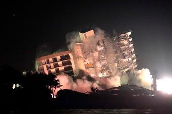 Hochhausruine in Florida gesprengt