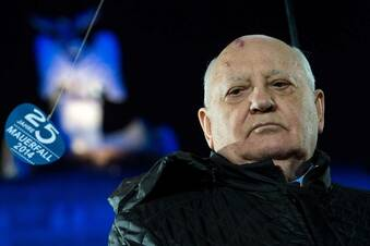 Merkel trifft Gorbatschow hinter verschlossenen Türen