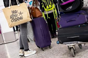 Ferien in Sachsen: Andrang an Flughäfen und auf Straßen