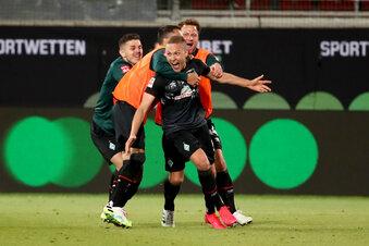 Werder Bremen bleibt Erstligist