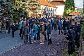 Polizei muss in Freital Flüchtlinge beschützen