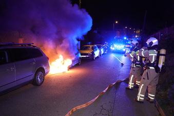 Dresden: Autos brennen in Cotta