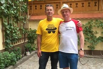 Steimle mit Nazi-Anspielung auf dem T-Shirt