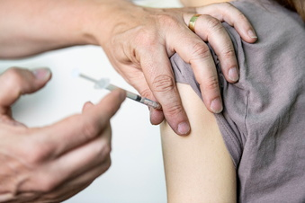Bloß kein Druck bei den Corona-Impfungen an Schulen