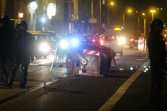 Leipzig: Polizisten bei Spontandemo verletzt
