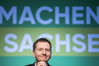 CDU in Sachsen: Bitte recht(s) freundlich