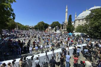 Hagia Sophia nun wieder Moschee