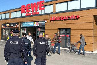 Rewe: Eröffnung mit Polizei
