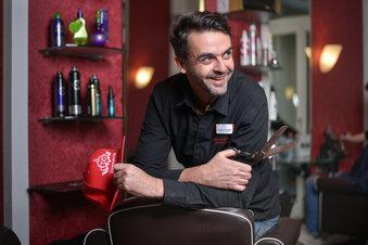 Corona: Neustadt-Friseur stockt Gehälter auf