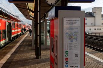Fahrgäste werden zu Bus und Bahn befragt