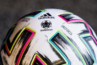 Uefa verschiebt Fußball-EM auf 2021