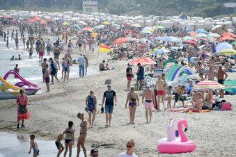 Wie Abstand halten am vollen Strand?