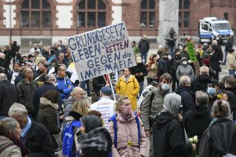 """""""Querdenken""""-Demo doch in Innenstadt"""