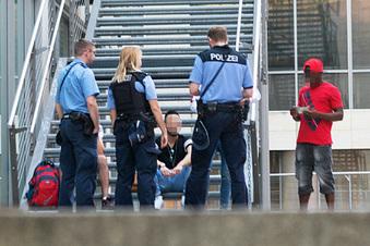 Dresdner Polizei vertreibt Dealer vom Wiener Platz