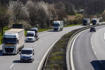 A17: Unbekannte bestehlen Lkw-Fahrer