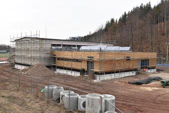 Schmiedebergs Turnhallenbau im Endspurt