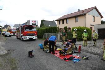 Dresdner Feuerwehr muss Sofabrand löschen