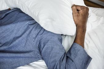 Einschlafprobleme nerven: Fünf Tipps