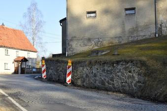 Bühlau: Sperrung wegen Stützmauerbau