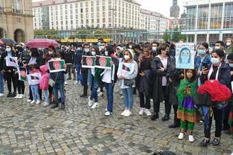 Seebrücke demonstriert für Aufnahme von Afghanen in Dresden