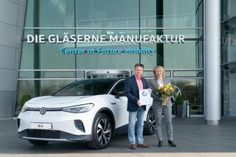 Volkswagen übergibt ersten Elektro-SUV in Dresden