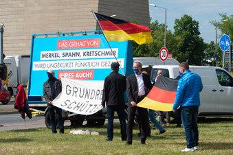 Dresden: AfD demonstriert für Corona-Exit