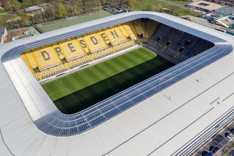 Public Viewing im Rudolf-Harbig-Stadion
