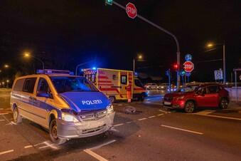 Drei Verletzte bei Verkehrsunfall mit Polizeiauto in Dresden