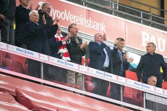 Kein Abstand: Kritik an Bayern-Spitze