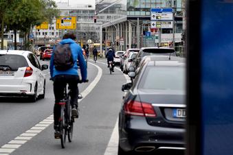 Parkverbot an der St. Petersburger Straße