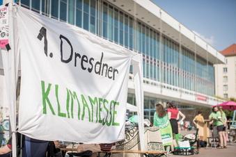 Demonstration und Klima-Messe in Dresden