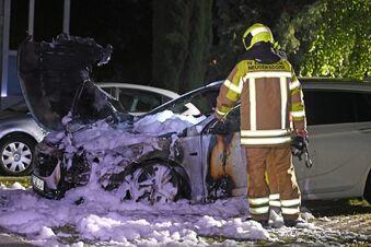 Opel geht im Oberland in Flammen auf