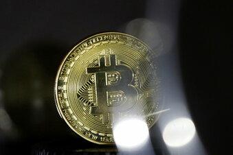 Bitcoin klettert erstmals über 60.000 Dollar