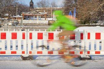 Radfahrer bei Sanierung der Augustusbrücke vergessen